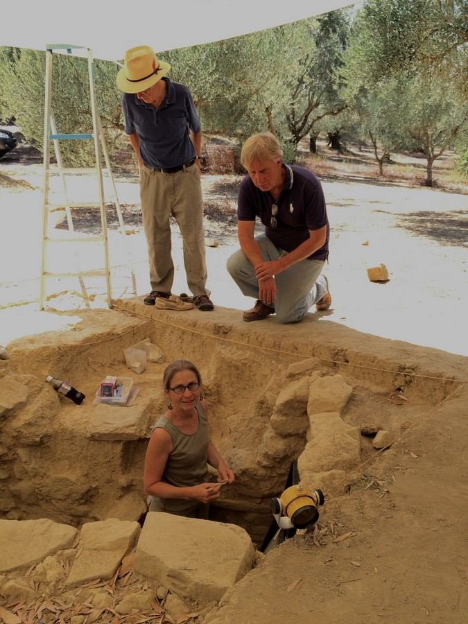 archaeologists - Sharon Stocker and Jack Davis - University of Cincinnati